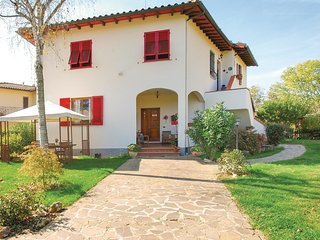 2 bedroom Apartment in Lo Spinoso, Tuscany, Italy - 5692868