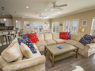 Gulf Front ~ 5 BR ~ Private Pool ~ Sleeps 21 ~ Cookin' Up Fun 1 Beach House