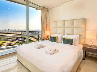 ★ Luxury Apartment | Steps away from Everything!
