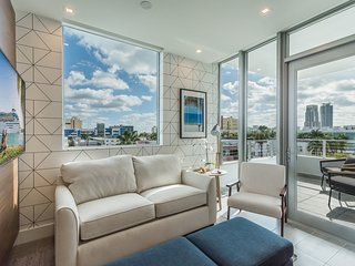 Luxury apt in South Beach