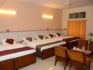 kaveri Hotel Bed and Breakfast