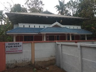 HOLIDAY HOME VARKALA -4Bedroom,1 Bedroom AC