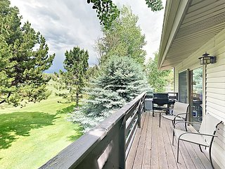 Private Deck Overlooking Golf Course! Near Aspen, Basalt Mountain & Snowmass