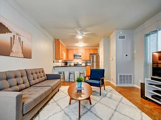 Updated 2BR w/ New Appliances, Fenced Yard, Near Downtown, Walk to Dining