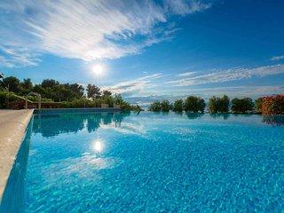 VILLA GALA Luxury beachfront villa with infinity pool with direct beach access