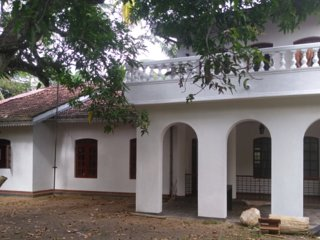 Cheap and Comfortable Holiday House in Piliyandala Srilanka