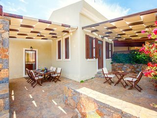 3 bedroom Villa with Air Con, WiFi and Walk to Beach & Shops - 5747743