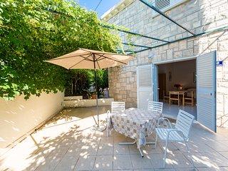 Villa Nona Studio - 3 pax, 35 sqm, big terrace