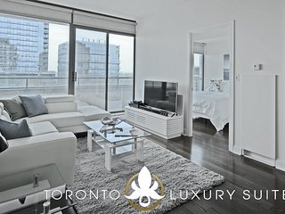 Pinnacle - Furnished Luxuruy Executive Condo Yorkville