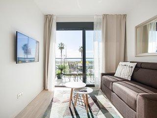 Apartamento moderno frente al mar al lado de Barcelona