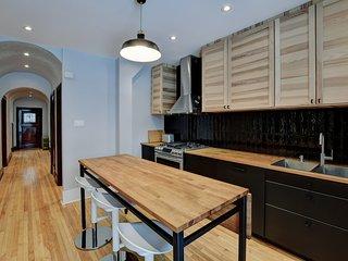 Fully renovated Modern & spacious 3 bedrooms in NDG, free parking