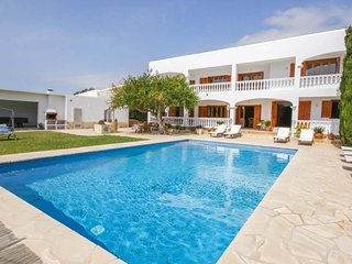 QUIET AND SPACIOUS HOUSE WITH POOL, BBQ, BILLIARDS, PING PONG; ONLY 2KM FROM IBI