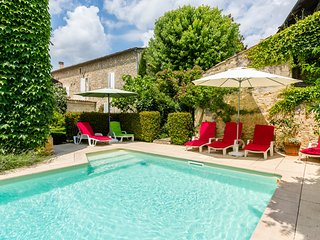 6 bedroom Villa in Pujols, Nouvelle-Aquitaine, France - 5049655