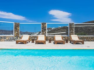 Jolie | Sea front, panoramic view, Private pool