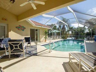 Briarwood pool home w/2 king master suites, expansive outdoor entertaining space