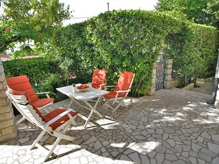 Selce Apartment Sleeps 5 with Air Con - 5464430