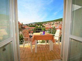 Selce Apartment Sleeps 3 with Air Con - 5464399