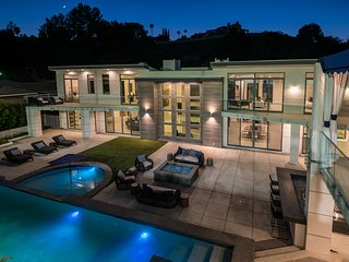 Ultra Lux Mansion Pool Tennis Court 10k SQFT 7BR 10BT