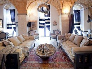 Sea view loft in Palazzo Blanco