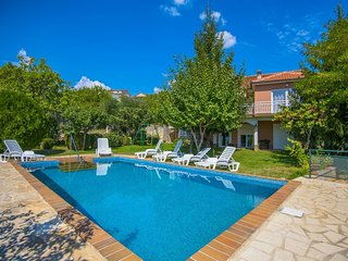 Spacious villa in the center of Imotski with Parking, Internet, Washing machine,