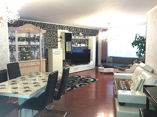 Spacious apartment very close to the centre of Hanover with Parking, Internet, B