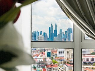 3BR BIG KLCC View Family Suite Regalia KL 超大三房双子塔风景公寓