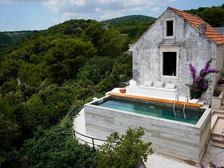 Cozy villa with amazing sea view, breakfast included -Adriatic Luxury Villas W91
