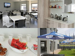 Kleinmond Lodge (Standard Unit 1 w/ Queen Bed)