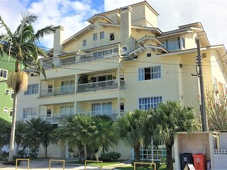 Apartamento p/ 4 hóspedes a 2 quadras da praia FLN-JUR-0001