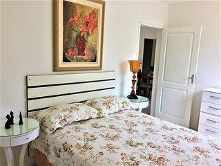 Apartamento 4 hóspedes próx. UDESC Coqueiros FLN-COQ-0001