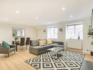 Stylish one bedroom apartment with patio in the heart of  Central London (WSB)