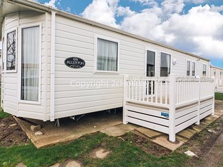 8 berth caravan with D/G, C/H and with decking. In Great Yarmouth. REF 50064G