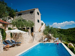 Stunning sea views with large pool and tennis court beautiful large stone house