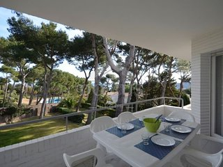 3 bedroom Apartment with Pool and Air Con - 5747440