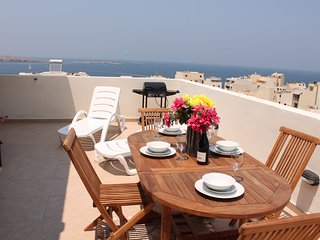 SeaShells Penthouse 13 - terrace with hot tub, BBQ set and sun beds