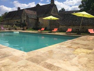 Maison Perigourdine avec piscine privee entre Sarlat et Montignac