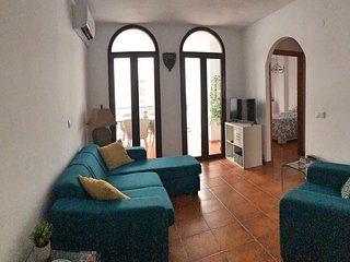 Lovely Apartment set in Beautiful Gardens with Shared Pool
