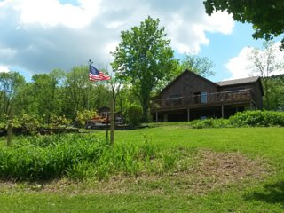 MOUNTAINVIEW CABIN! AMAZING VIEWS! HOT TUB! WOOD STOVE! 20 ACRES! WINE COUNTRY!!