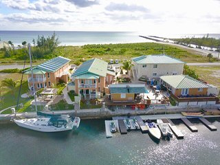 Seabreeze Vacation Villas & Marina