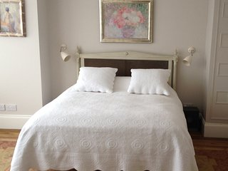 Classic English Suite in Richmond upon Thames - 30 mins to Central London