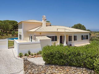 Porches Villa Sleeps 6 with Pool Air Con and WiFi - 5643976
