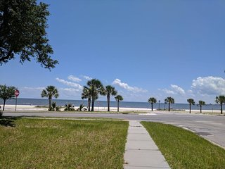 SeaShore.steps to beach.deck views.connecting house available