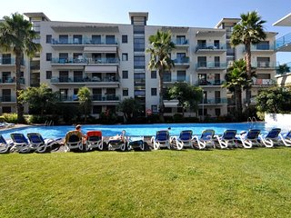 Cozy apartment in the center of Lloret de Mar with Parking, Internet, Washing ma