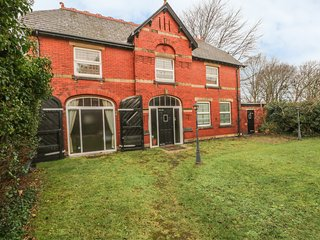 SOUTHPORT COACH HOUSE, detached, garden, WiFi, in Southport, Ref 23051