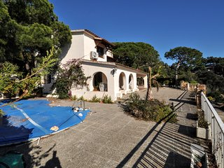 Cozy house a short walk away (405 m) from the 'Playa Platja Gran' in Tossa de Ma