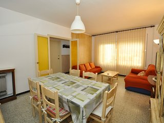 Cozy apartment in the center of Lloret de Mar with Internet, Washing machine, Ba
