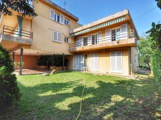 Cozy apartment a short walk away (395 m) from the 'Platja Sa Caleta' in Lloret d