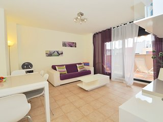 Spacious apartment very close to the centre of Lloret de Mar with Parking, Inter