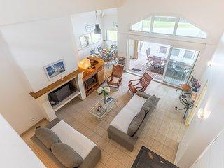 Villa moderne et spacieuse 12p, avec piscine privee