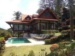 Luxury Villa 3 bedroom Swimmingpool and rooftop Jacuzzi. Haad Salad, Ban Fah Sai